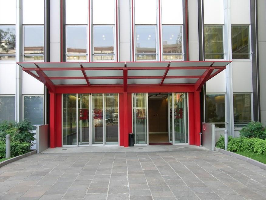 property management Figura 15 - Pensilina ingresso edificio dell'Agenzia delle Entrate.jpg